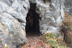 jeden_z_nekolika_tunelu_na_stezce