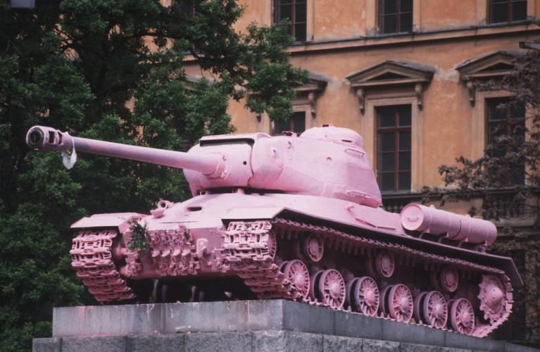ruzovy-tank-web
